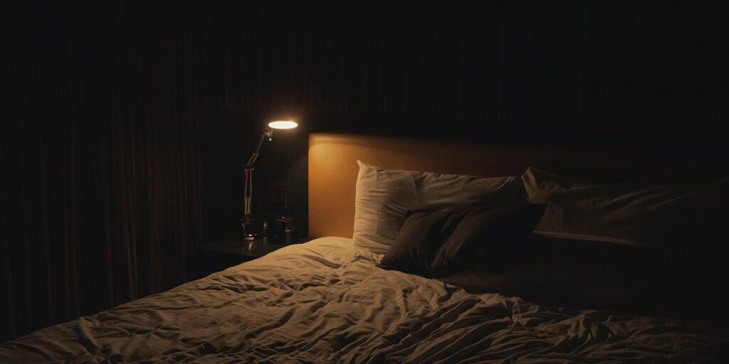 Cozy enviroment, healthy sleep, sleep deprivation, sleep at night, circadian rhythm, warm bath,
