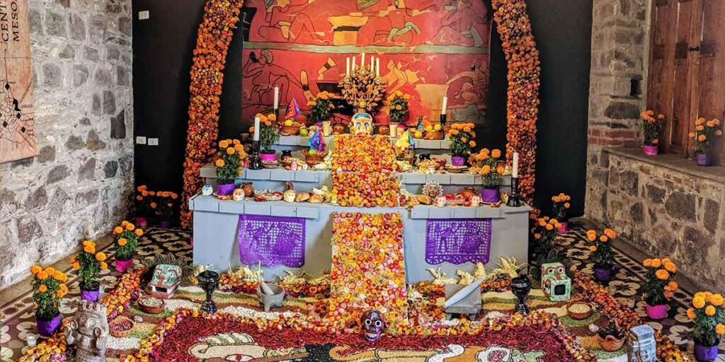 Day of the dead ofrenda, Mexican day of the dead ofrenda, traditional day of the dead ofrenda, what goes on an ofrenda,