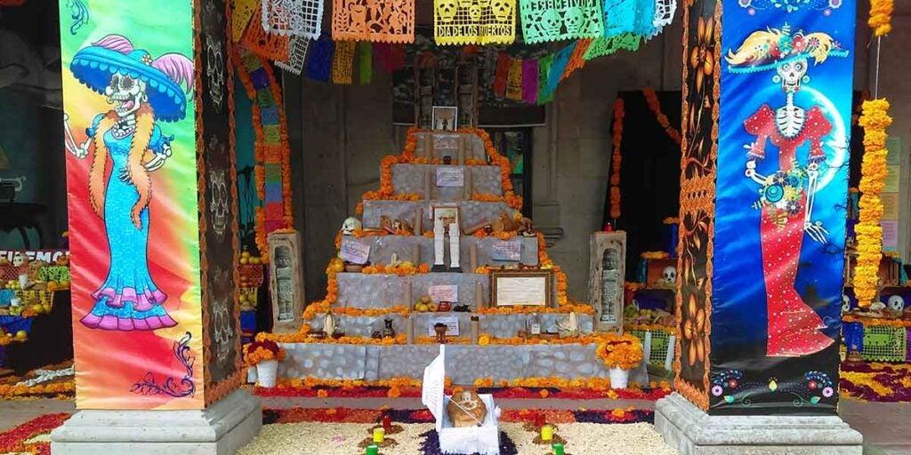 Ofrenda in Mexico City, mexican ofrenda, dia de los muertos, día de los muertos celebration, día de muertos,