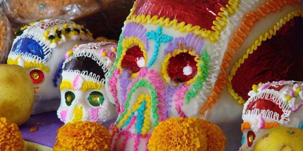 Sugar skulls on a street market, mexican ofrenda, dia de los muertos, día de los muertos celebration, día de muertos,